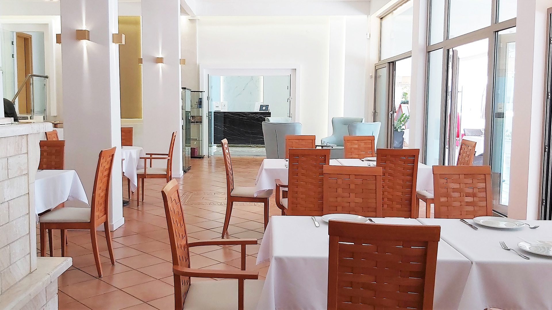 View of the interior restaurant in Akrogiali hotel Halkidiki